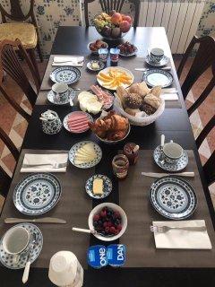 Breakfast in kitchen