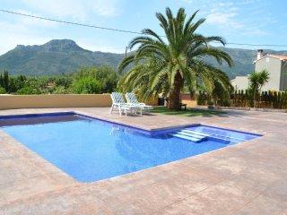 Bonita casa con piscina
