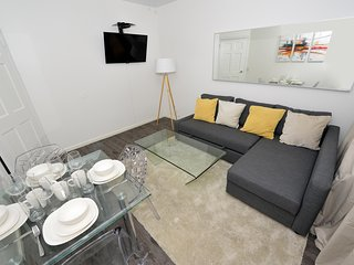 Gorgeous city centre apartment by Times Square. Super convenient location in NYC
