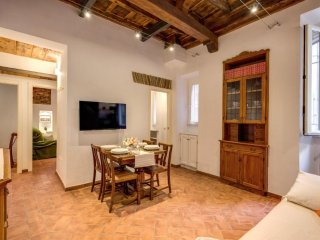 LUXURY HOME IN CAMPO DEI FIORI