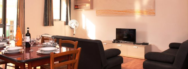 Spacious Living / Dining, Fully equipped With Free Wifi and Tv Channels.