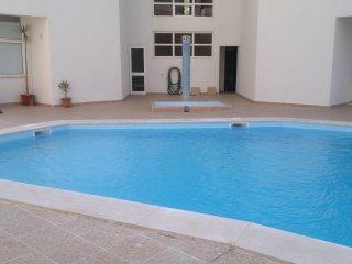 Algarve - Armacao de Pera, apartamento para ferias, para 5 pessoas, com piscina