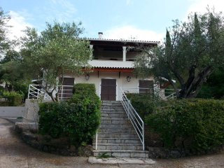 villa erasmia with  and the olive tree apartment