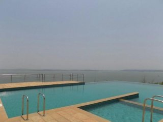 Homely 2 BHK for 6 with a gorgeous infinity pool