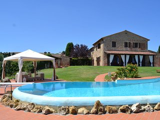 Casale Paterno - Detached villa with plenty of space, beautiful view and