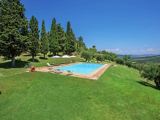 Le Ginestre - Elegant apartment in a unique hamlet with swimming pool, tennis