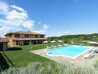 Villa San Luigi - A beautiful Tuscan farmhouse and a large swimming pool and