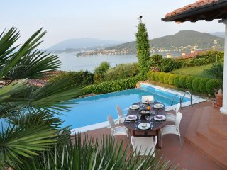 Villa Bellevue - Villa with pool in a panoramic position with spectacular views