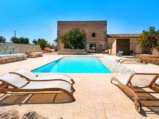 Le Edicole - Beautiful villa with swimming pool surrounded by nature near Ragusa and the sea