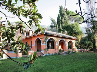 Villa Catino - Villa with Jacuzzi, billiards, fitness equipment, 3D TV, and