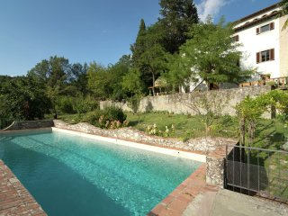 Villa Pepi per Otto - Luxurious villa with pool just outside Florence in