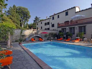 Villa La Collina - Historic villa with swimming pool, Italian garden and