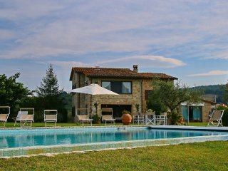 Villa Mori - Rustic country house among olive trees, private swimming pool, wellness center