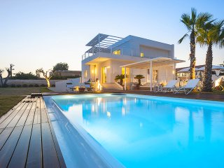 Azzurro marino - Villa with private swimming pool and jacuzzi, OCEAN VIEWS!!!