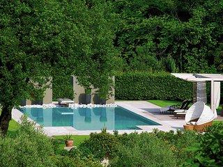 Villa Camelia - Luxury Villa with pool, sea view, annexe, park and tennis court