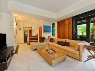 Solander Sunrise B - 4 Bedroom Beachside Villa