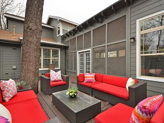 Luxury Casita Located steps to South Congress and close to Downtown