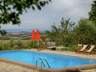 Villa Sangiovese - Rustic villa, spa with wine bath, 2 swimming pools and stunning views