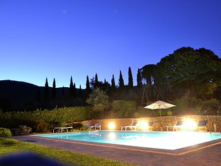 Villa Valecchie - Villa with large garden, lots of privacy and close to the