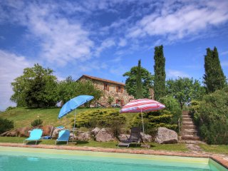 Villa Samemi - Farmhouse with saltwater pool and a 360 degree view of the calanchi