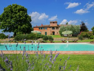 Villa Graziosa - Villa with private swimming pool and spacious garden in the