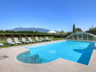 Villa Angeli - Villa with private pool on an estate near Assisi