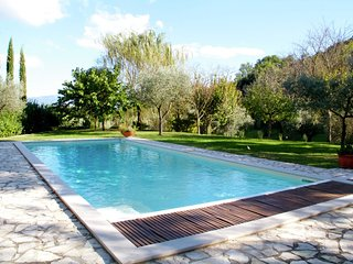 Villa Cecanibbi - Detached house with private pool in green surroundings, near Todi
