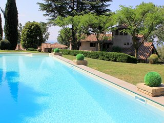 Villa Montopoli - Luxury villa with tower, private pool and garden in beautiful hills near Rome