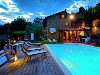 Villa Vista - Villa with private swimming pool and garden, panoramic view over