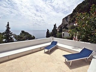 Villa Bouganvillae - Luxurious villa, 10 minutes from the beach and town centre, spectacular sea view