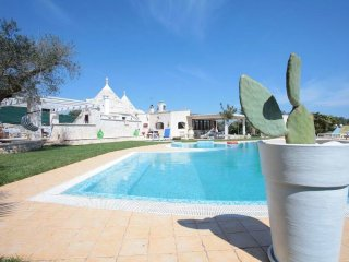 Villa Viviana - luxury villa with private swimming pooln with whirlpool. Also