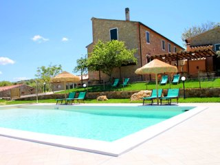 Casale a Montescudaio - Intero - Typical Tuscan farmhouse, surrounded by