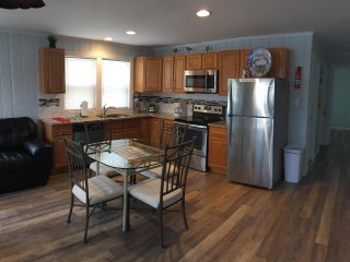 Beach Block 4 bedrooms/2 bathroom just gorgeous......