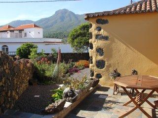 Antigua casa canaria reformada, wifi, barbacoa, terraza, vistas a la Caldera