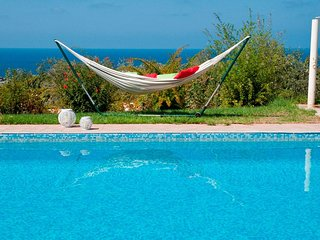 Great Villa in Wonderful area Near the sea (300m). Amazing Huge Pool and Garden