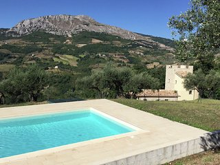 Villa Torre - Villa with tower between olive trees with private swimming pool