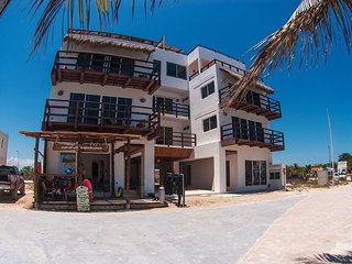 GA Klein Playa Paradise 2ND Floor - Highly Rated !