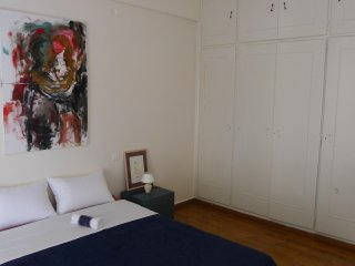 Artistic apartment close to the historical center
