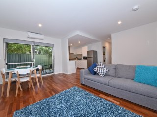 TJ's Apartment close to Airport & Perth City:2240