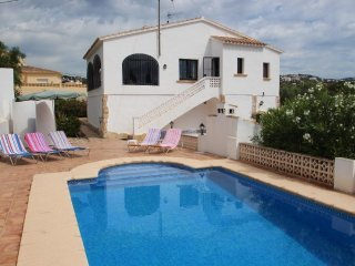 Flandes - traditionally furnished detached villa with peaceful surroundings in