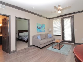 Midtown 1B/1B Apt, 5 Min to DT - 311B