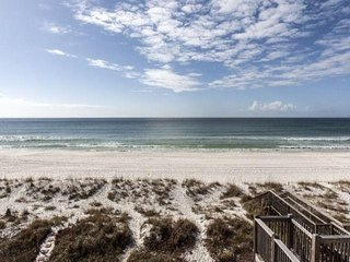 Emerald Winds 2BR/2.5BA Beach Townhome Directly on the Beach Located Near Pier