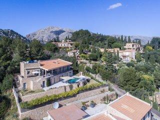 Stunning Estrella del Calvari villa overlooking the town of Pollença