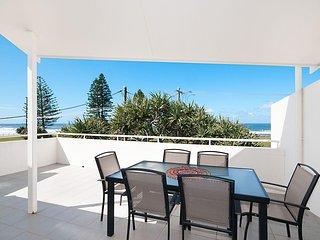 Christina's On the Beach - 3 Bedroom Beach Apartment!