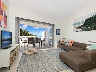 Christina's On the Beach - 2 Bedroom Beach Apartment!