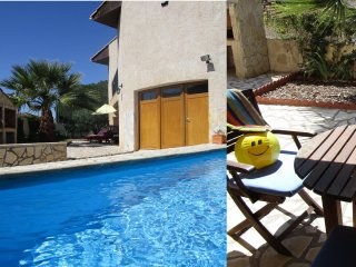Great value, private pool, in historic Pezenas