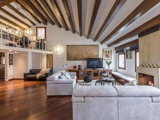 Venini apartment super spacious living room