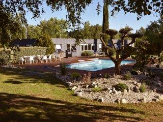 Villa 300 m2 - Balneo - 13 pers.