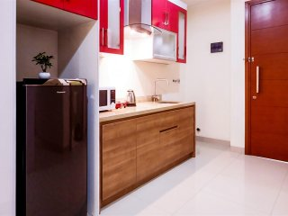 Family Studio Seaview For 4 Pax At Ancol Mansion Apartment By Travelio