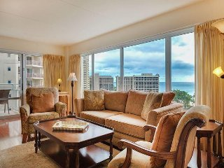 Gorgeous Ocean/Lagoon View 2 Bedroom Executive Suite!